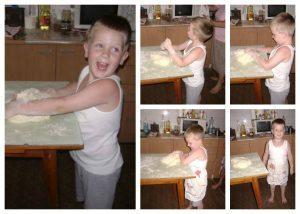 Pavle obožava da pomaže u pripremi peciva
