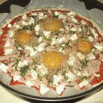 Pica sa jajima na oko