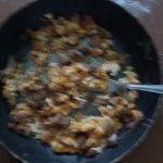 Savijača sa jajima i slaninom