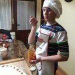 Kiflice sa sirom i ajvarom
