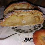 Slatki hleb sa jabukama