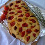 Fokača sa sušenim čeri paradajzom
