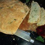 Hleb sa blitvom