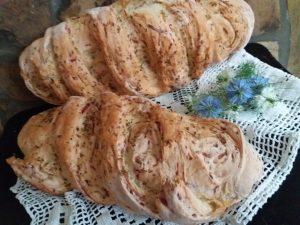 Hleb sa tikvicama i cveklom